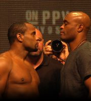 UFC 200: Light Heavyweight Champ Daniel Cormier vs Anderson Silva Weigh-in + Face-Off (HD)